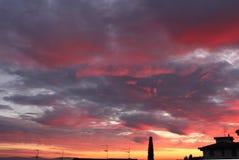 Cores do por do sol nos montes do Chianti ao sul de Florença em Toscânia imagens de stock