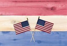 Cores dos EUA da bandeira com as bandeiras para o Dia da Independência Imagens de Stock