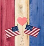 Cores dos EUA da bandeira com as bandeiras para o Dia da Independência Foto de Stock Royalty Free