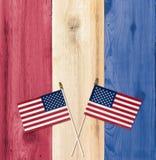 Cores dos EUA da bandeira com as bandeiras para o Dia da Independência Fotografia de Stock