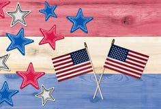 Cores dos EUA da bandeira com estrelas e bandeiras para o Dia da Independência Fotos de Stock Royalty Free