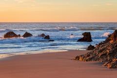 Cores douradas da areia durante o por do sol fotografia de stock royalty free