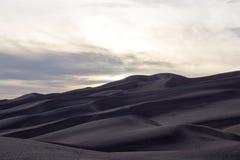 Cores magníficas do grandes parque nacional de dunas de areia e conserva, San Luis Valley, Colorado, Estados Unidos imagens de stock