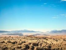 Cores pasteis do amanhecer no deserto rochoso de Wadi Rum fotografia de stock royalty free