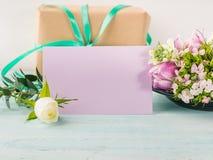 Cores pastel cor-de-rosa da tulipa roxa vazia da flor do cartão Foto de Stock Royalty Free