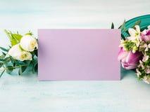 Cores pastel cor-de-rosa da tulipa roxa vazia da flor do cartão Fotos de Stock Royalty Free