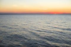 Cores surpreendentes do mar de Kiev no por do sol Fotografia de Stock