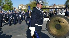CORFÙ, GRECIA - 7 APRILE 2018: Musicisti filarmonici che giocano nelle celebrazioni di festa di Corfù Pasqua Litania della st Spy