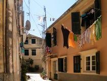 Corfou, Grèce, 2013 ; cour dans la vieille ville photographie stock