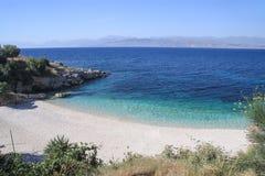 corfu Bataria strand nära den Kassiopi byn Fotografering för Bildbyråer