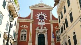 Corfu, Grécia - 7 de abril de 2018: Catedral de Panagia Spiliotissa Igreja metropolitana Panaghia Spiliotissa, cidade de Corfu, G video estoque