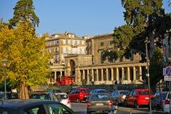 Corfu, Grecja, Październik 18, widok centrum miasta z swój budynkami i swój ruchu drogowego dżem, 2018, fotografia stock