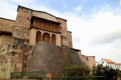 Coricancha oder der Tempel des Sun der Inkas mit dem Kloster von Santo Domingo Church errichteten oben, archäologische Fundstätte stockbilder