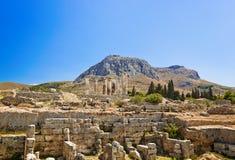 corinth greece fördärvar tempelet arkivfoton