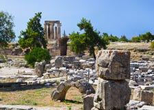 corinth greece fördärvar tempelet royaltyfri foto