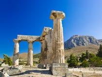 corinth greece fördärvar tempelet royaltyfria bilder