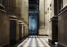 CorinthianColonnade på natten Royaltyfri Fotografi