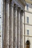 Corinthiankolonner, tempel av Minerva, Assisi, Italien royaltyfri foto