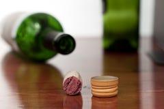Cork en de schroefdop van de wijn royalty-vrije stock fotografie