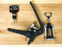 Cork Screw Openers- und Wein-Stopper stockfotos