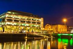Cork Stad 's nachts, Ierland Stock Afbeelding