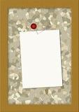 Corkboard con una nota en blanco Fotografía de archivo