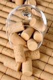 corks стеклянное вино Стоковая Фотография RF