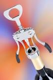 Corkscrew com garrafa de vinho Fotos de Stock Royalty Free