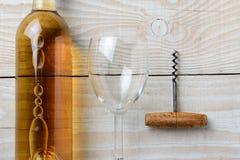 Corkscrew do copo de vinho da garrafa de vinho Fotografia de Stock Royalty Free