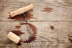 Corkscrew korka i wina plamy, Obrazy Royalty Free