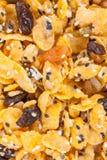 Corn-Flakes mit Mandel, Honig, indischem Sesam und Trockenfrüchten Stockbilder