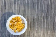 Corn Flakes mit Milch Stockbild