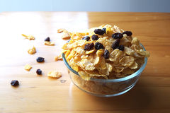 Corn-Flakes und Rosinen Stockfotos