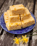Cornbread with Daffodil Flowers Royalty Free Stock Photography