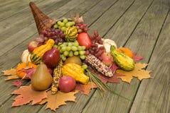 Corne d'abondance avec la moisson d'automne Images libres de droits