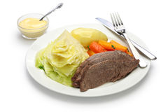 Corned beef and cabbage isolated on white background Stock Photography