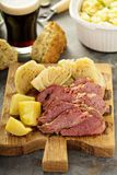Corned beef et chou photo stock