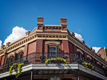 Free Corner Building With Balcony In The French Quarter Royalty Free Stock Images - 82315629