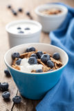 Cornflakes with blueberry and yogurt Royalty Free Stock Images