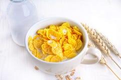 Cornflakes com leite Imagem de Stock Royalty Free