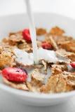 Cornflakes com morango Imagens de Stock