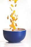 Cornflakes die op wit worden geïsoleerdo Royalty-vrije Stock Fotografie