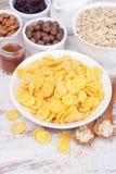 Cornflakes et céréales de petit déjeuner Photos libres de droits