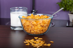 Cornflakes and glass of milk Royalty Free Stock Photography