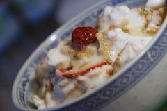 cornflakes jogurt Zdjęcia Royalty Free