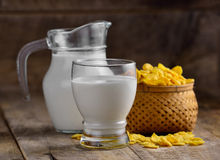 Cornflakes and milk Royalty Free Stock Photos