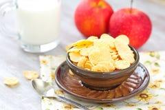 Cornflakes och äpplen Royaltyfria Foton