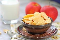 Cornflakes och äpplen Arkivbild