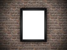Cornice in bianco del manifesto sul muro di mattoni di lerciume Fotografia Stock Libera da Diritti