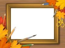 Cornice d'annata dell'oro con le foglie di autunno ed i rifornimenti di arte Fotografia Stock Libera da Diritti